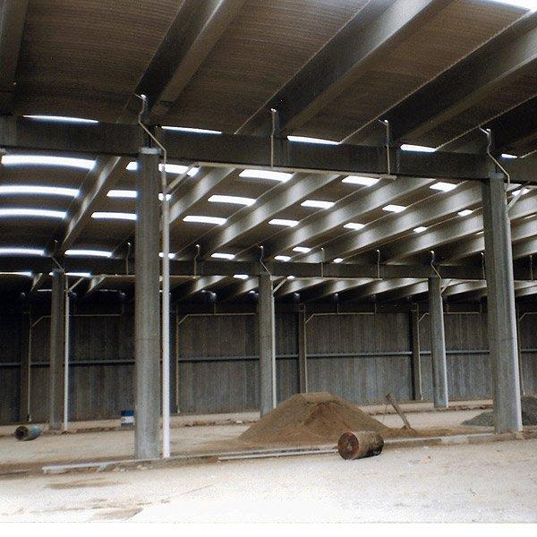 La costruzione dello stabilimento Cartigliano de México